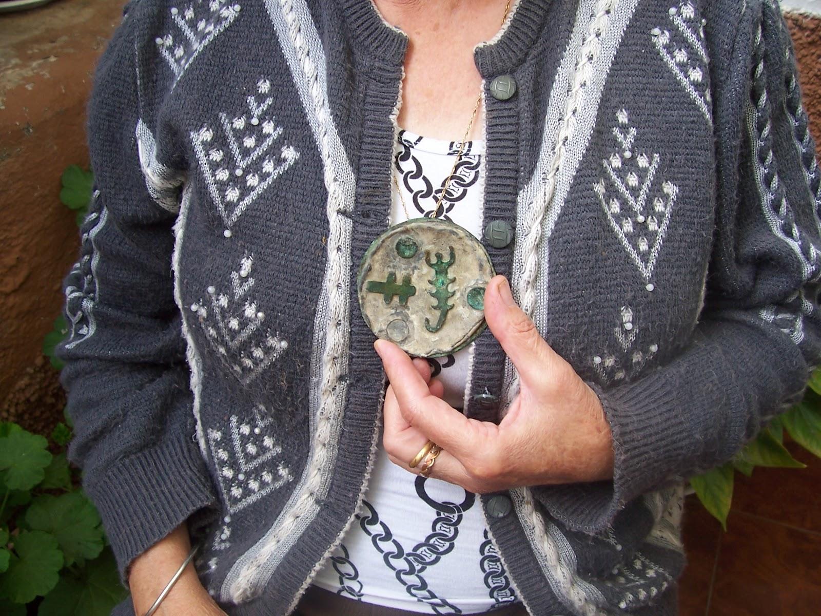 Medallón utilizado para hablar con los espíritus
