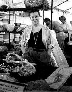 foto Mayor en Tucson con esqueletos protoceratops