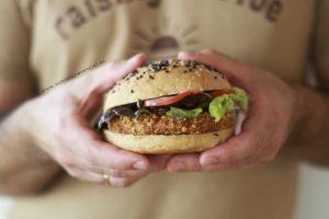 Veggie-burger-de-garbanzo-y-tomate-seco-1024×683